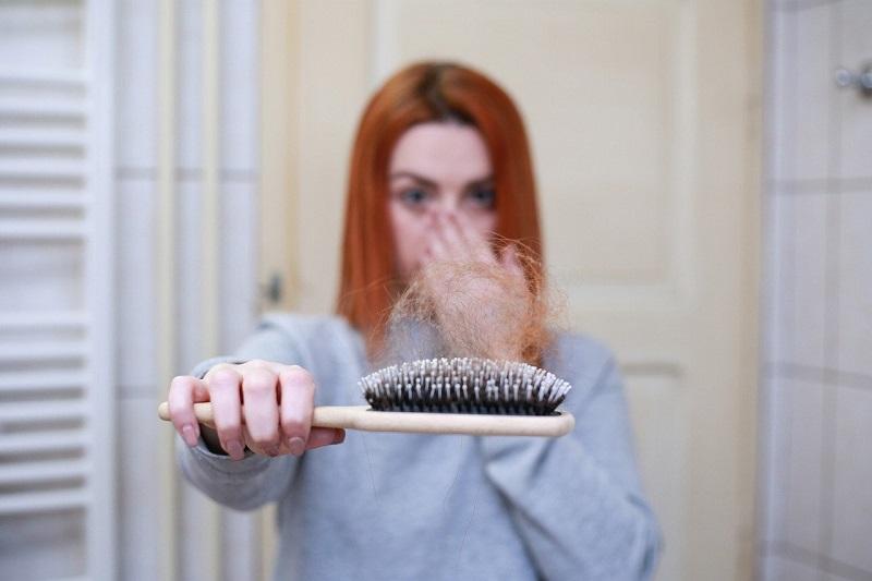 I motivi della calvizie e come fermare la caduta dei capelli